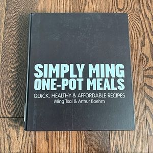 NWOT {Simply Ming One Pot Meals} Cookbook